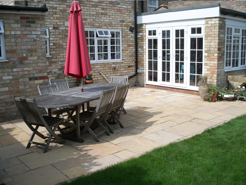 Back garden patio baldock rw landscapes innovative for Backyard patio landscaping